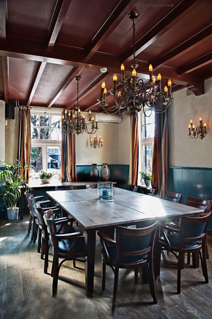 De raadzaal bij Grandcafé Eemland